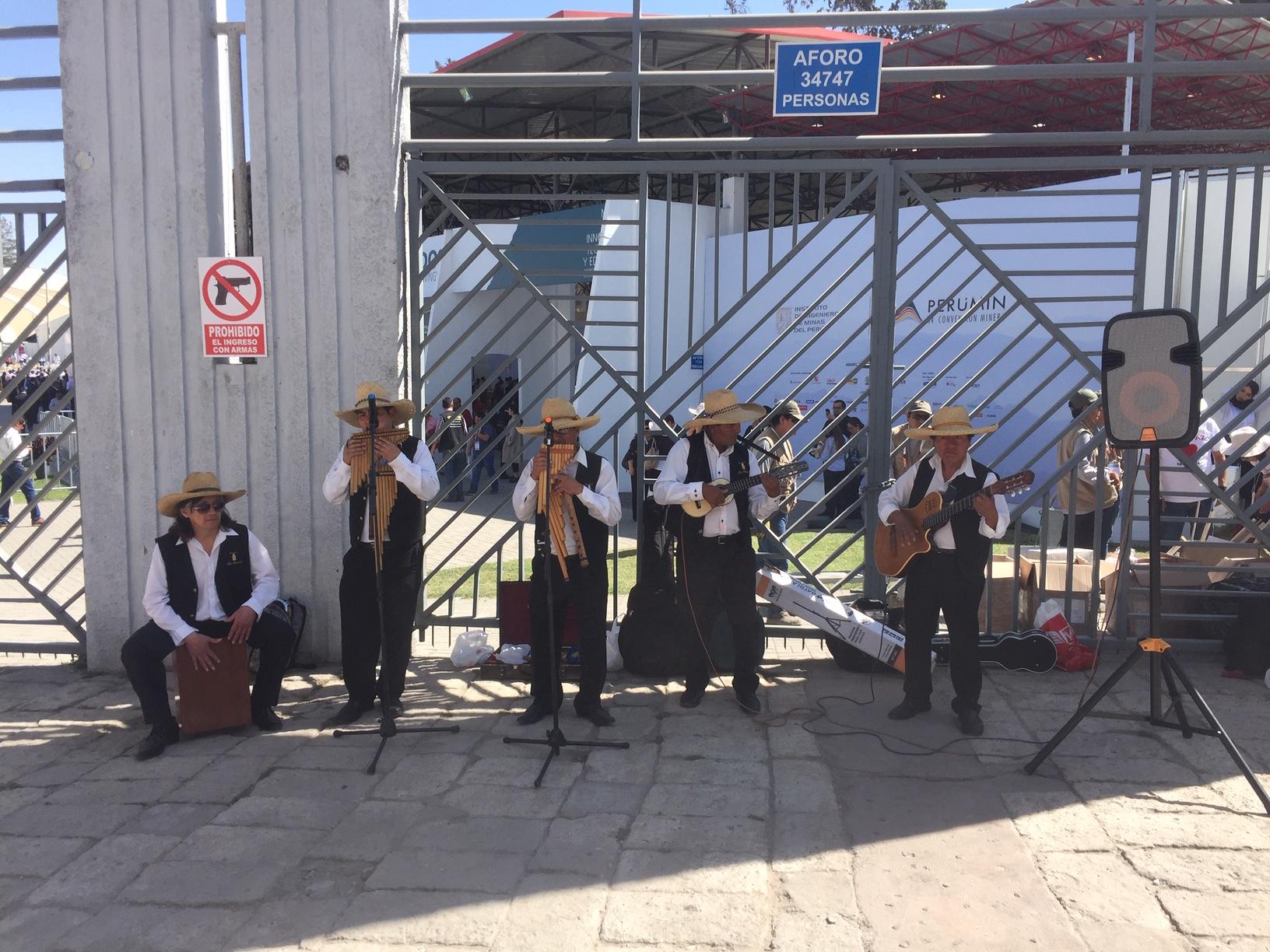 Música en la entrada